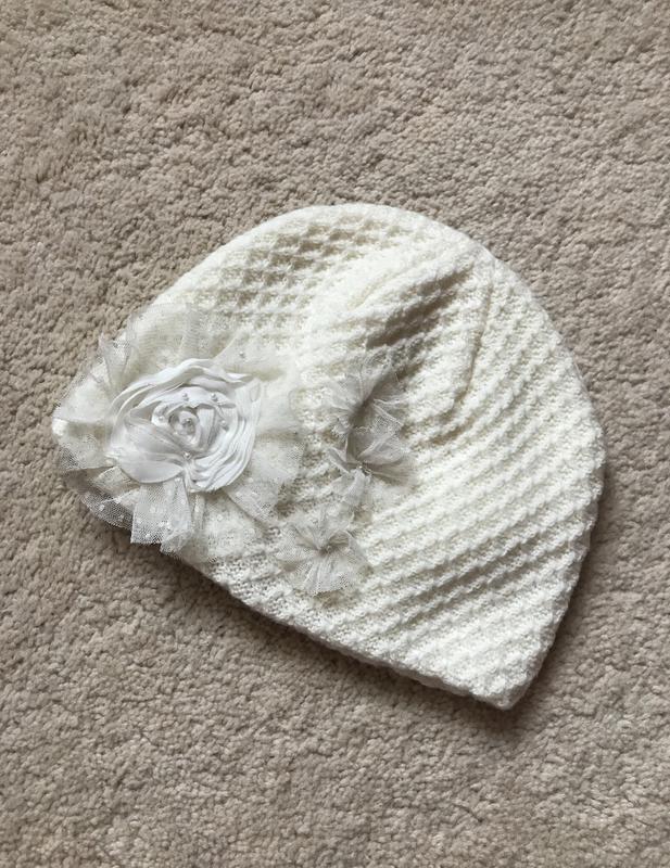 Белая шапочка  BETSEY JOHNSON