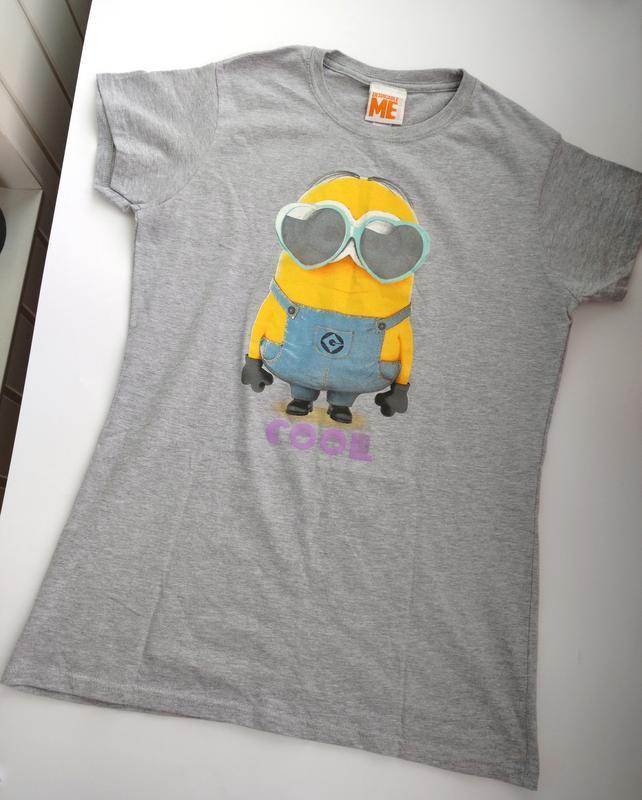 Хлопковая футболка с миньоном gildan l