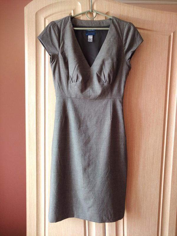 Офисное платье футляр i'crew из шерсти super 120s размер s-xs