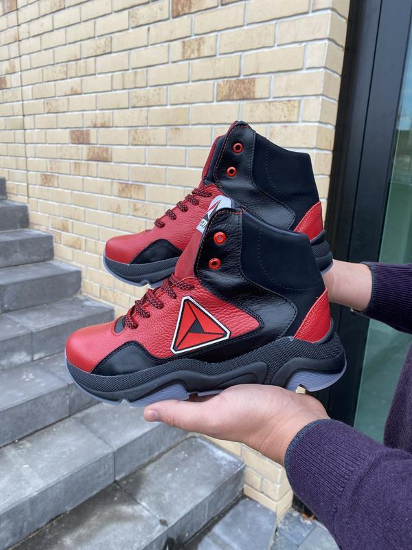 Подростковые кроссовки кожаные зимние красные-черные