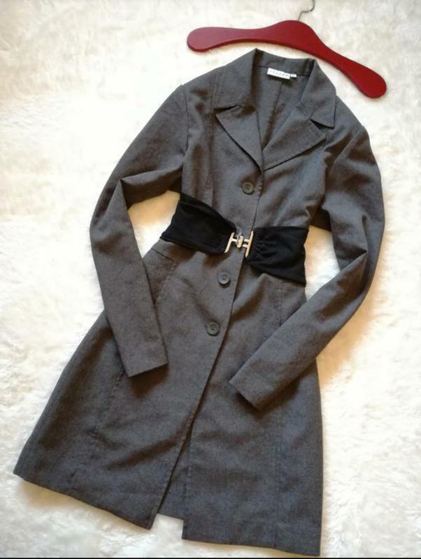Платье-пиджак р.38-40 hennes