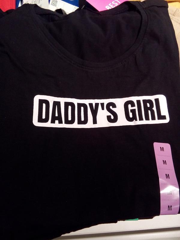 Новая черная футболка sinsay принт daddy's girl папина дочка xs s - Фото 4