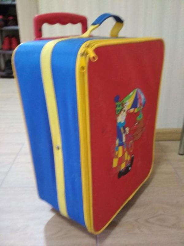 Детский чемодан на колесиках с телескопической ручкой 45х18х32