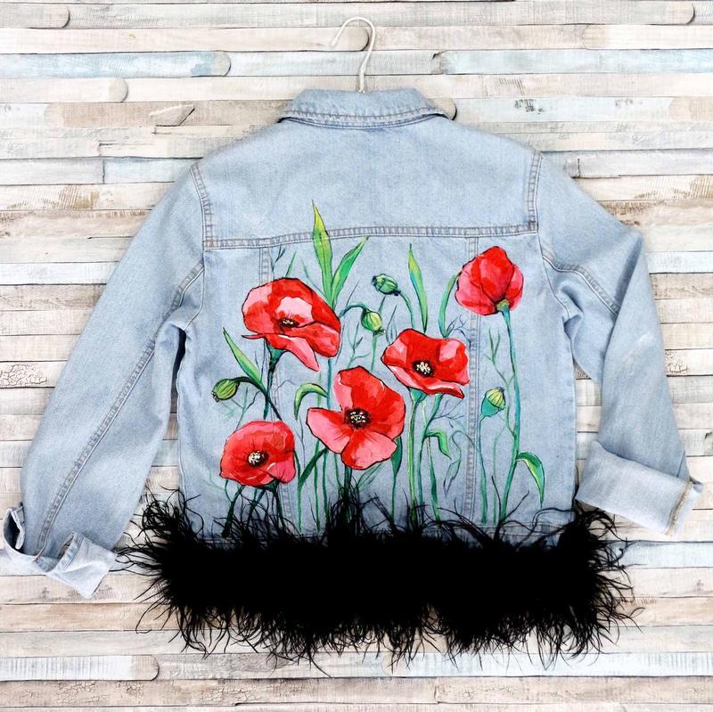 новый рисунок на джинсовой куртке акриловыми красками размещенные
