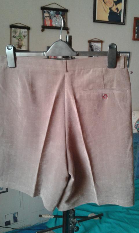 Классические шорты с высокой посадкой р 50-модно стильно и кра... - Фото 2
