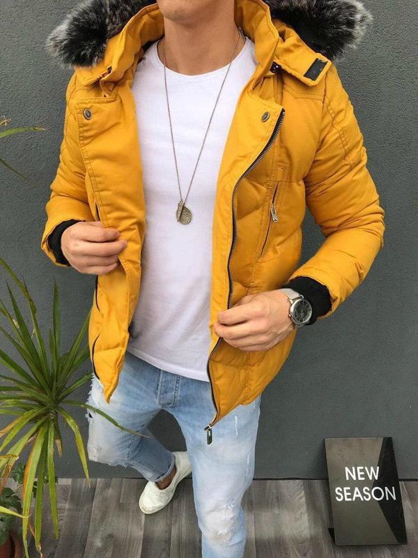 Мужская зимняя куртка горчичного цвета