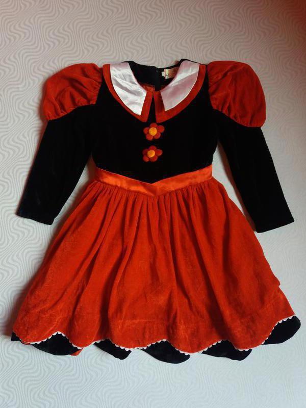 Платье на праздник на девочку 5-7 лет