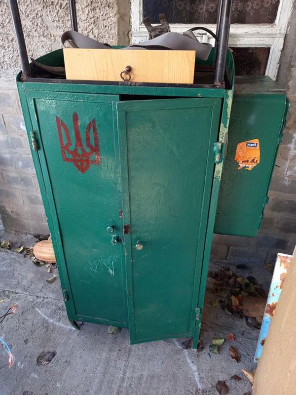 Шкаф металлический, инструментальный шкаф, шкаф для инструментов