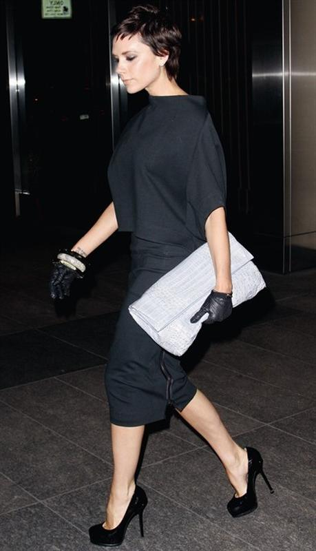 Кожаная сумка-клатч под рептилию,стильная,актуальная модель.