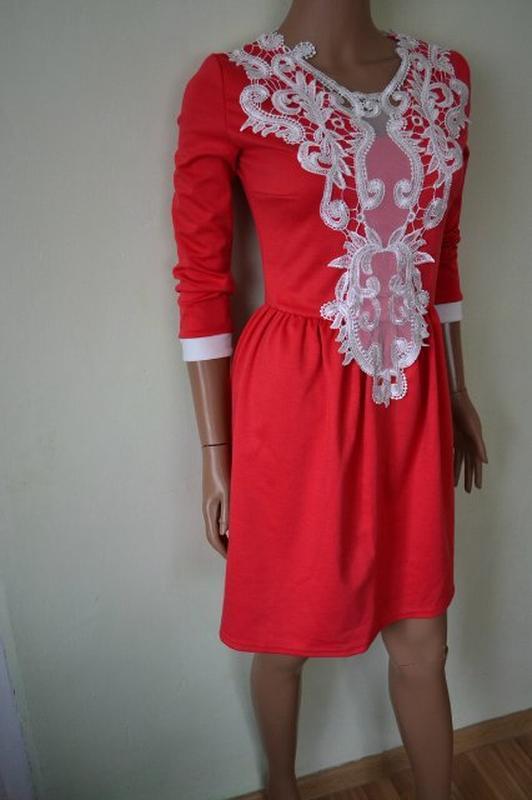 Шикарное красное платье с кружевом 46-48 размер