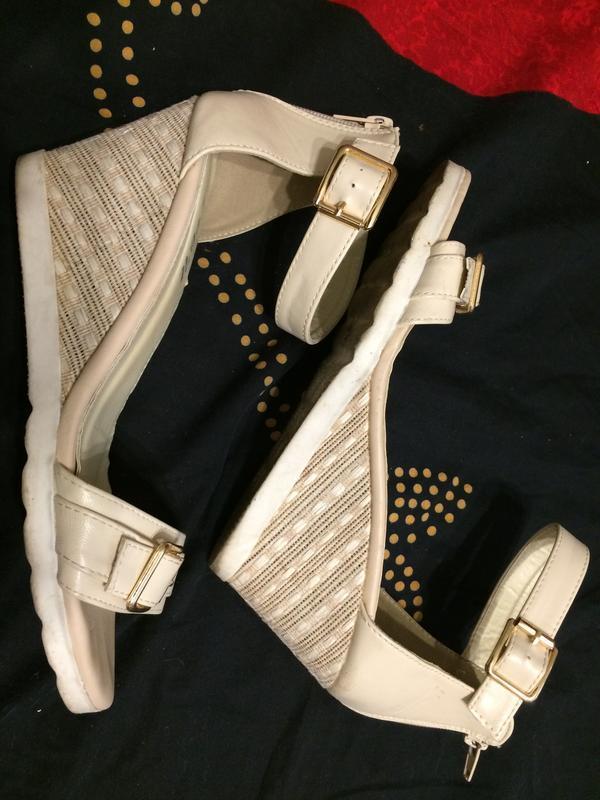Lov'it босоножки сандали на танкетке платформе - Фото 7