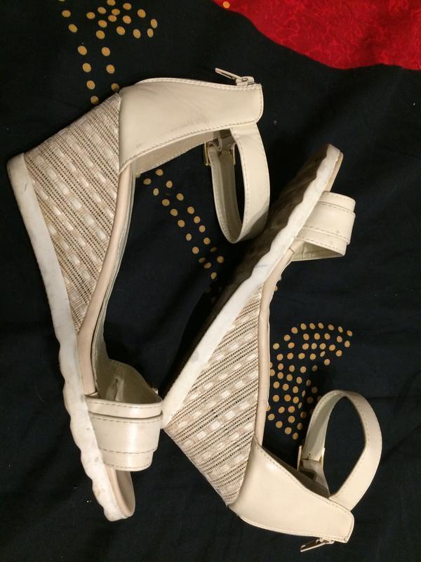 Lov'it босоножки сандали на танкетке платформе - Фото 8