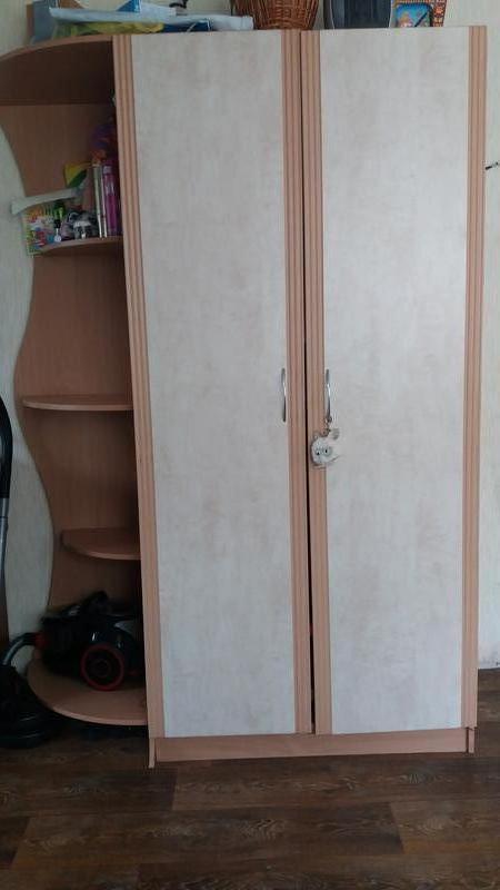 Шкаф +2 тумбочки за цену 1000 грн