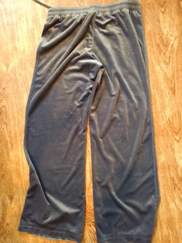 Спортивные женские велюровые брюки puma.