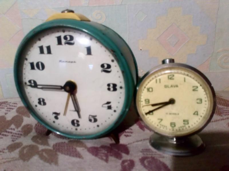 Будильник-часы ссср( не работает).