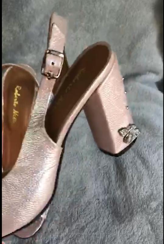 Женские босоножки на каблуке - Фото 2