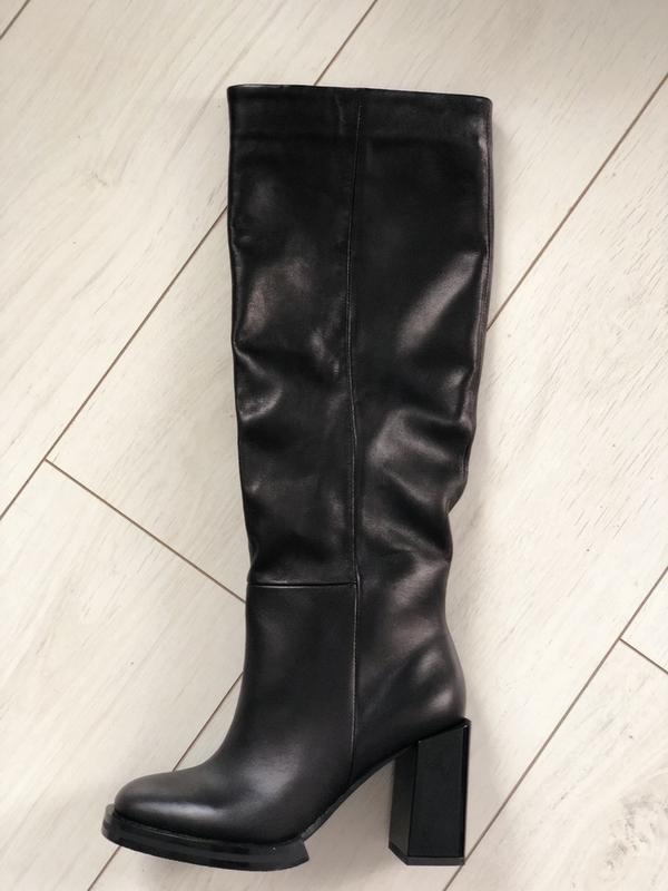 Женские сапоги черные кожаные