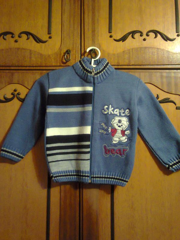 Теплый вязаной свитер на 2-3 года. рост 92-98 см. zero baby.