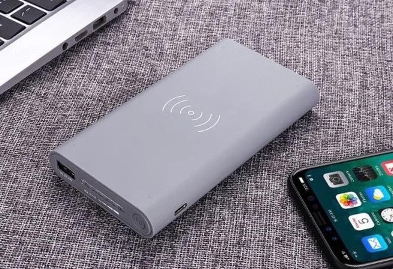 Внешний аккумулятор с беспроводной зарядкой 10000 mAh Power Bank - Фото 4