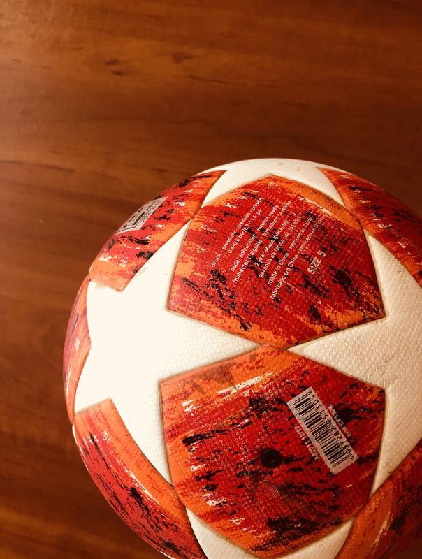 Футбольный мяч (Champions League)