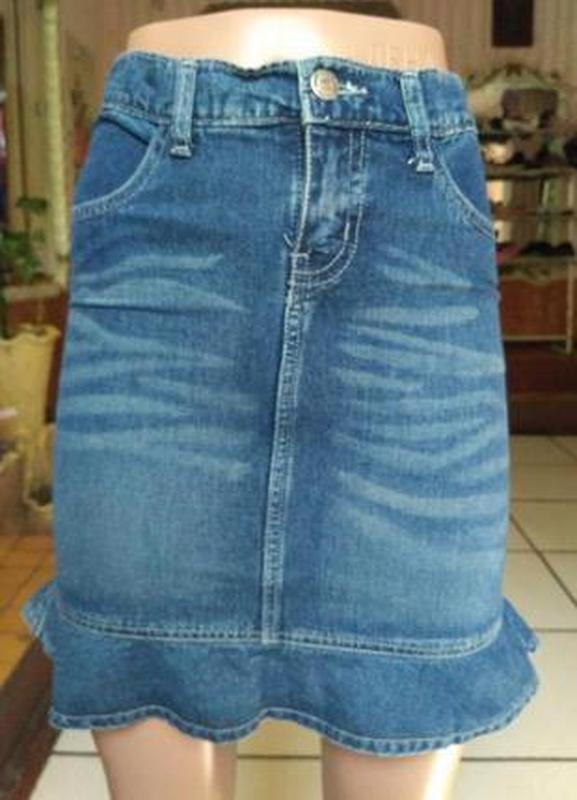Короткая джинсовая юбка с воланом по низу размер s