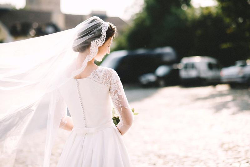 Весільна сукня, фата