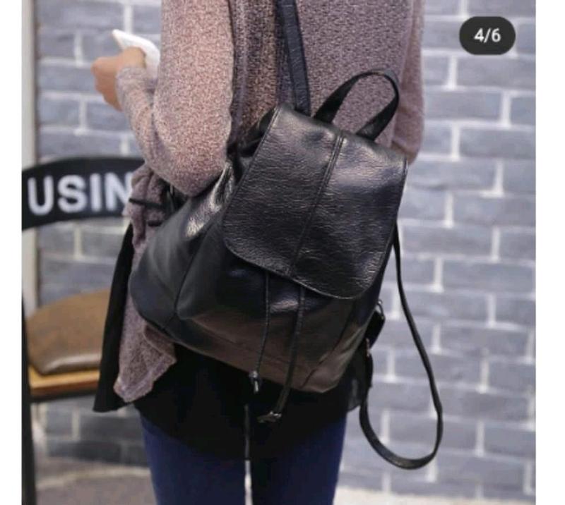 Рюкзак городской черный из эко-кожи