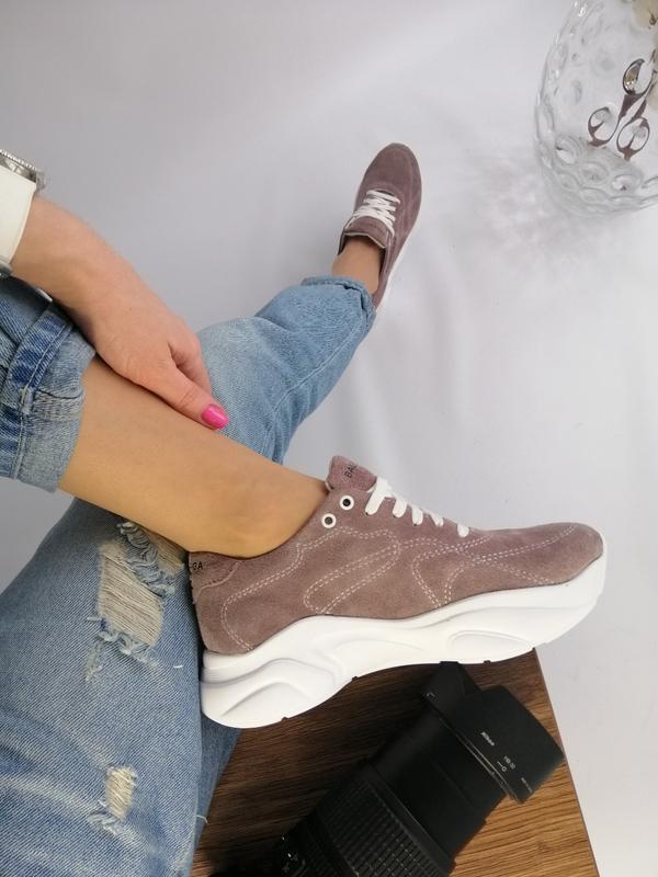Женские замшевые кроссовки бали