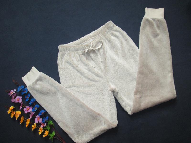 Плюшевые теплющие пижамные домашние брюки цвета капучино высок... - Фото 2