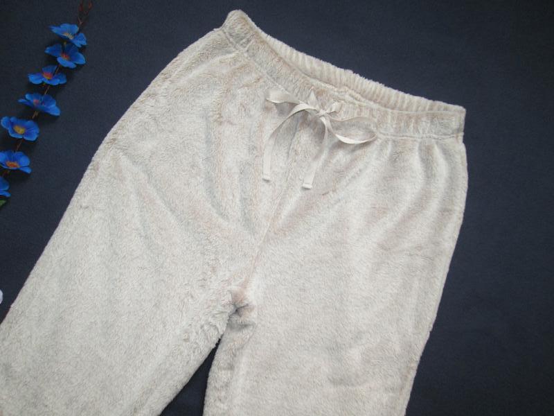 Плюшевые теплющие пижамные домашние брюки цвета капучино высок... - Фото 3