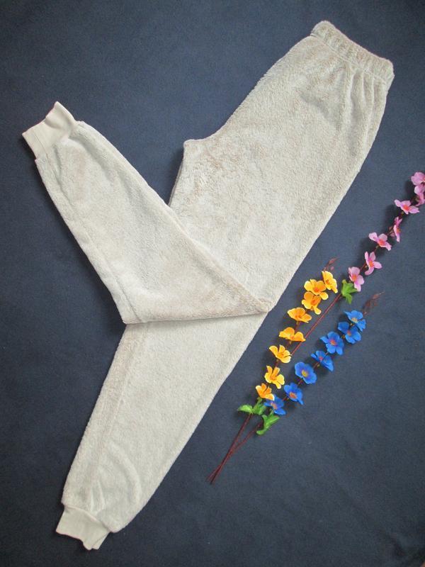 Плюшевые теплющие пижамные домашние брюки цвета капучино высок... - Фото 5