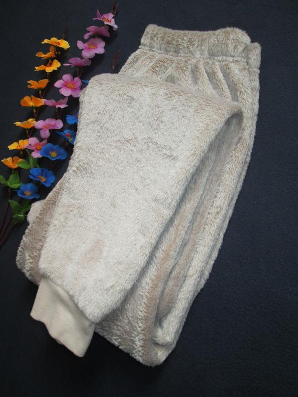 Плюшевые теплющие пижамные домашние брюки цвета капучино высок... - Фото 7