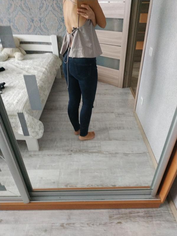 Красивая атласная блуза в бельевом стиле с красивой спинкой - Фото 4