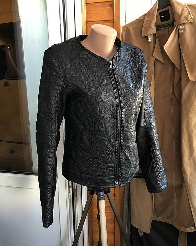 Обалденная фактурная куртка klass collection (кожанка)