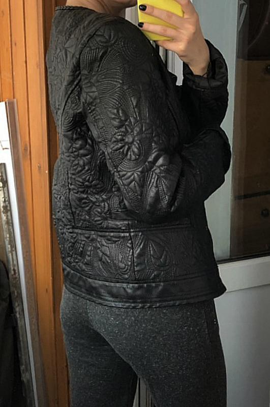 Обалденная фактурная куртка klass collection (кожанка) - Фото 8