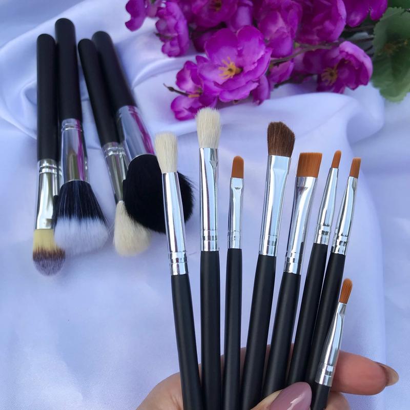 Набор из 12 кистей для макияжа  в косметичке - Фото 2