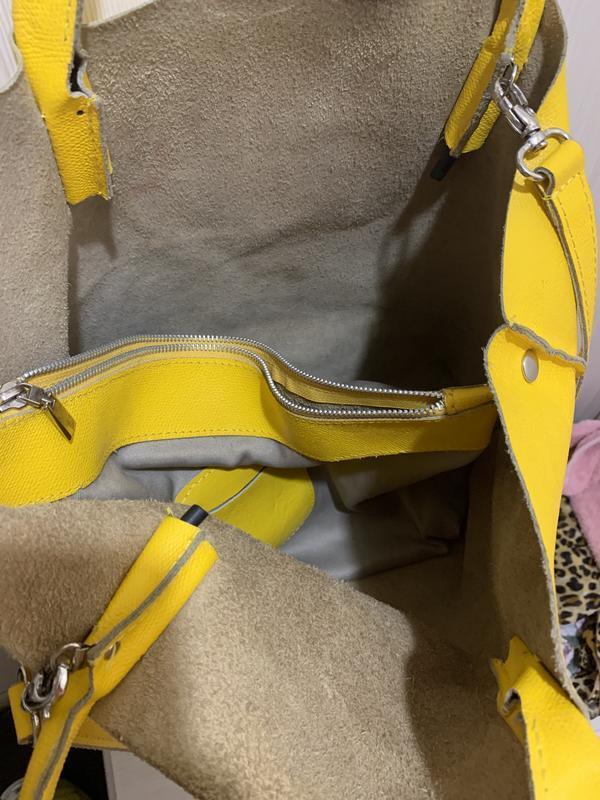 Яркая желтая сумка шоппер  из натуральной кожи - Фото 6