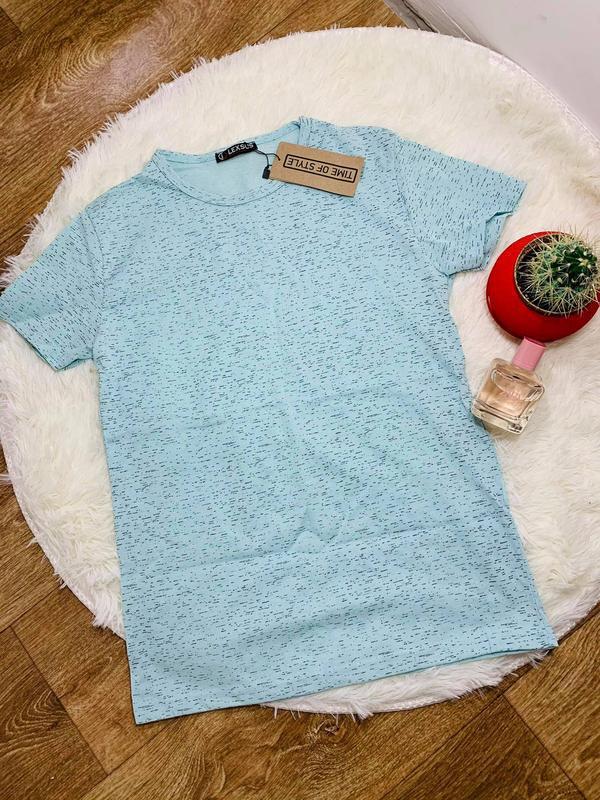 Красивая футболка мятный цвет