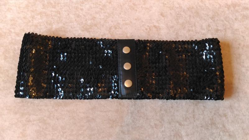 Чёрный пояс пайетками, на резинке