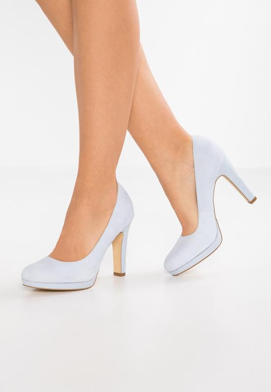 Нежно-голубые .замшевые туфли pier one размер 39 и 41