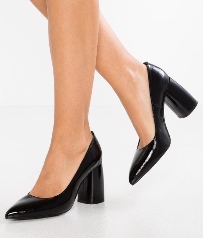 Лаковые туфли-лодочки l'intervalle