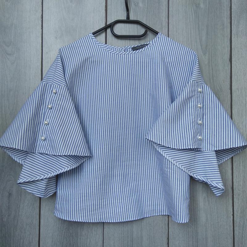 Primark шикарная блузка с объемными руковами воланом и жемчуго...