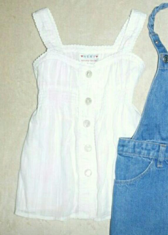 Блузочка футболка next 4-6 лет, белая.
