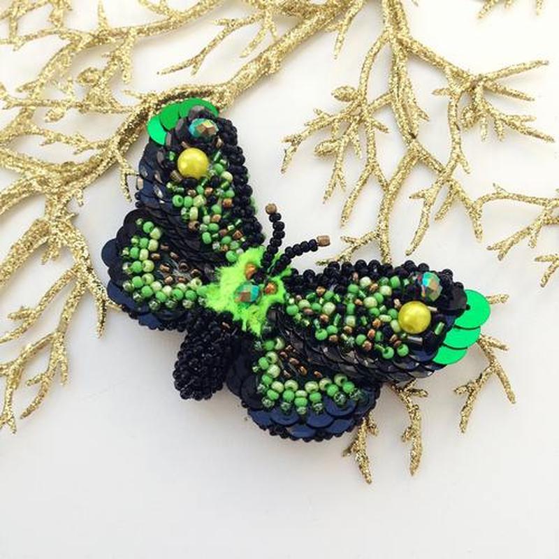 Яркая брошь «бабочка» - ручная работа