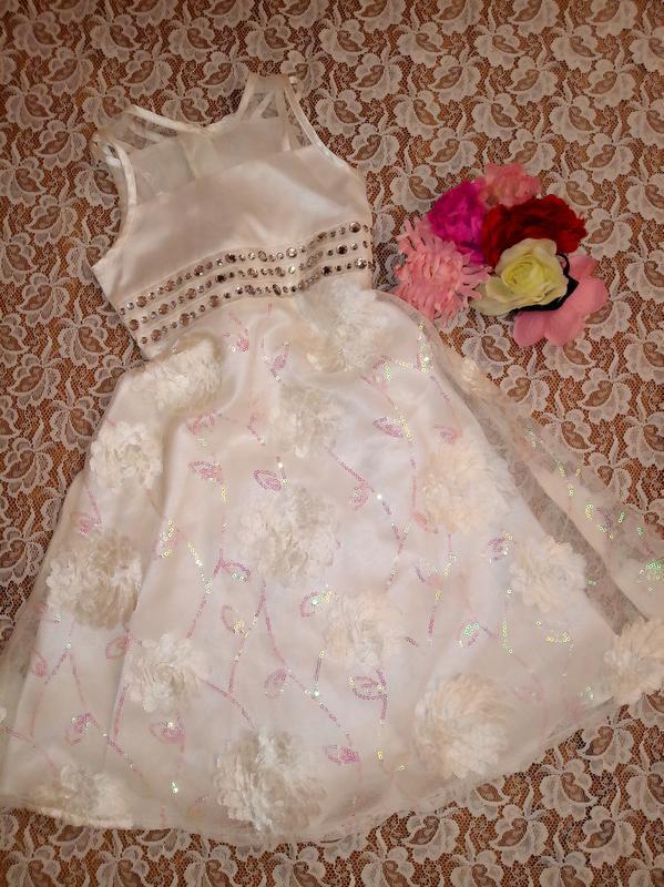Белое платье с 3-d, dress to impress на 2-3года.