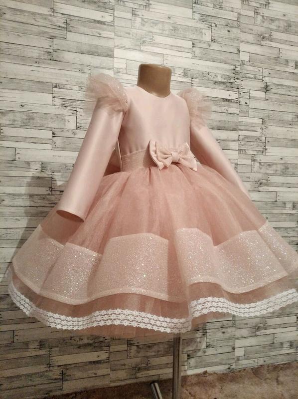Красивое , нарядное, праздничное детское платье