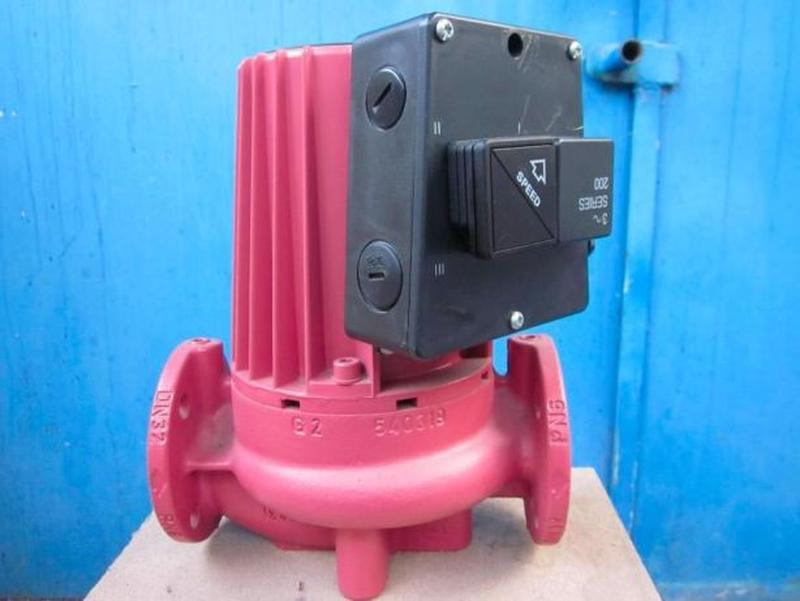 Водяной насос Grundfos UPC 32-60 серии 200