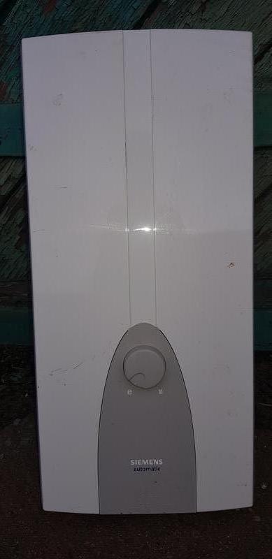 Електричний проточний нагрівач води Б/У  SIEMENS  DHT 18R