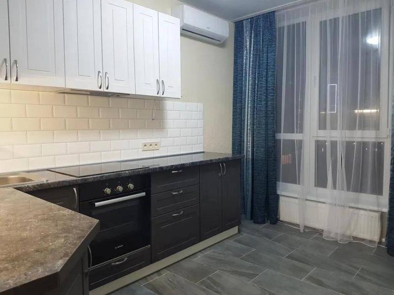 2 комнатная квартира в Акварели средний этаж
