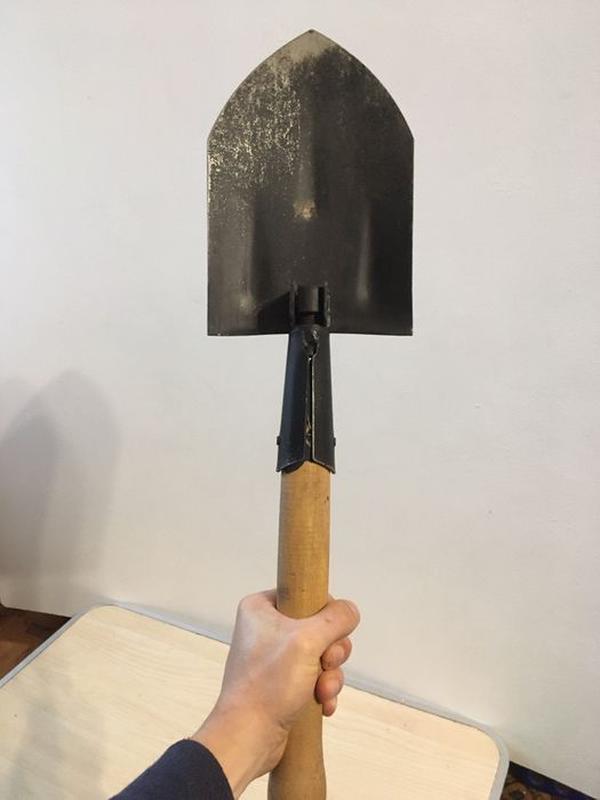 Лопатка саперная садовая складная маленькая